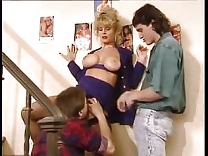 Retro sex with hot cougar